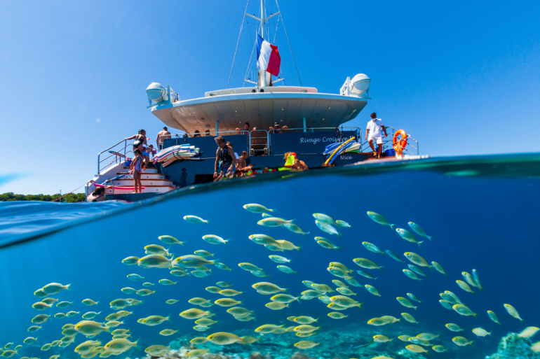http://www.rivage-croisiere.com/wp-content/uploads/2014/07/PAL220625.jpg