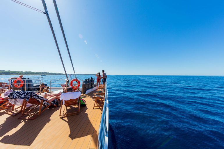 http://www.rivage-croisiere.com/wp-content/uploads/2016/08/PAL220508.jpg